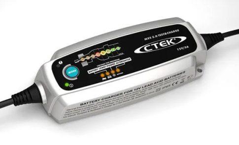 CTEK 56-308 akkumulátor töltő