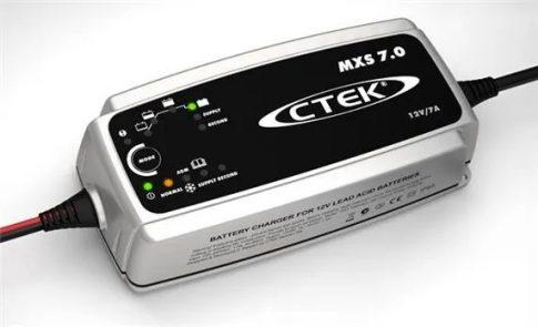 CTEK 56-755 akkumulátor töltő