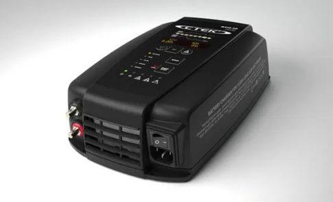 CTEK 56-995 akkumulátor töltő